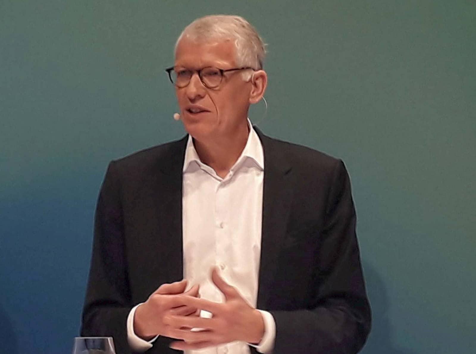 Unter Führung von Dr. Bernhard Düttmann erfolgte die strategische Ceconomy-Neuausrichtung. Damit wurde der Weg zu einem kundenzentrierten und (wieder) wachsenden Unternehmen geebnet.