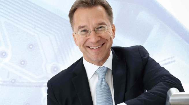 """""""Wir fordern beim Direktverkauf immer eine Einbeziehung der Händler"""", Benedict Kober, Vorstandssprecher Euronics Deutschland."""