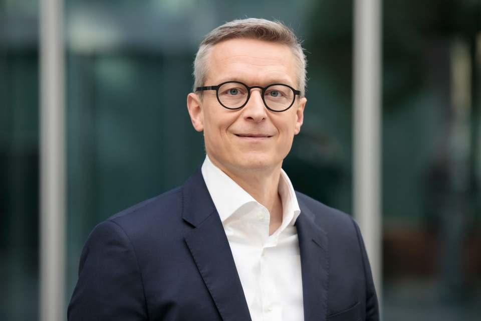 Dr. Karsten Wildberger wird zum 1. August 2021 Vorstandsvorsitzender (CEO) und Arbeitsdirektor von Ceconomy. Zudem übernimmt er die Position als Vorsitzender der Geschäftsführung der Media-Saturn-Holding. Foto: Eon