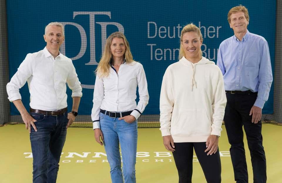 Starker Aufschlag: Marco Bühler, Beurer Geschäftsführer, Kerstin Glanzer, Beurer Marketingleiterin, Angelique Kerber und Dietloff von Arnim, Präsident des Deutschen Tennis Bundes (DTB).