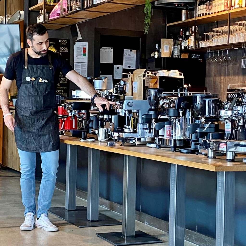 Führte in einem Online-Barista-Workshop bei Graef durch unterhaltsame, wissenswerte 90 Minuten: Raffaele Iuliucci, Espresso Italiano Champion 2018. Fotos: EK/servicegroup