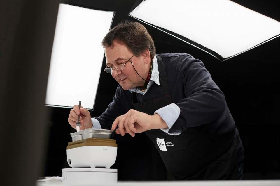 Miji-Koch Günther Rosskopf zauberte kulinarische Kreationen mit den Highlight-Produkten von Miji.