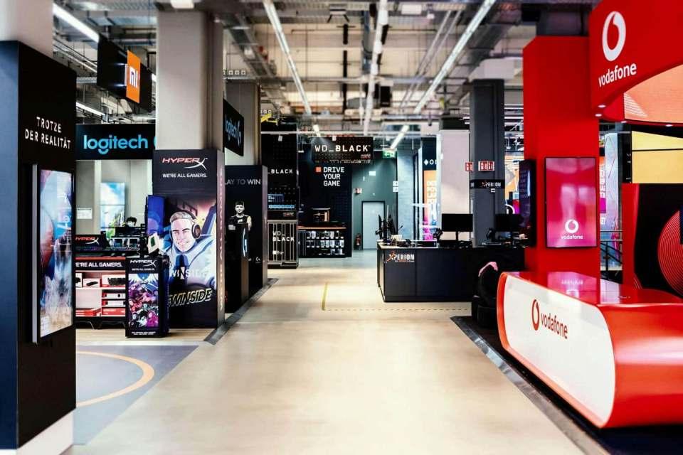 So interpretiert Saturn heute Premium: Blick in den im vergangenen Herbst in Köln eröffneten Xperion-Markt, eine Erlebniswelt für Gamer.