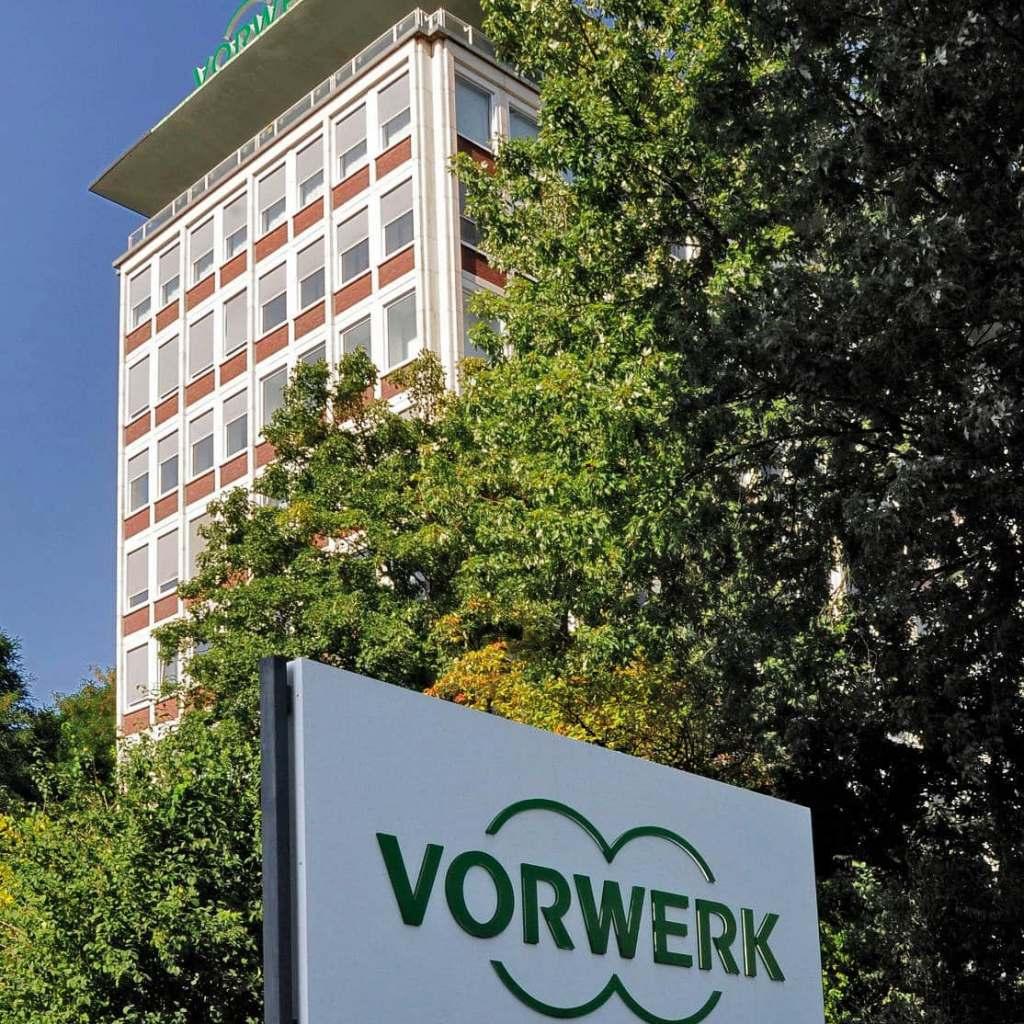 Die Gewitterwolken haben sich verzogen. Bei Vorwerk in Wuppertal herrscht wieder eitel Sonnenschein.