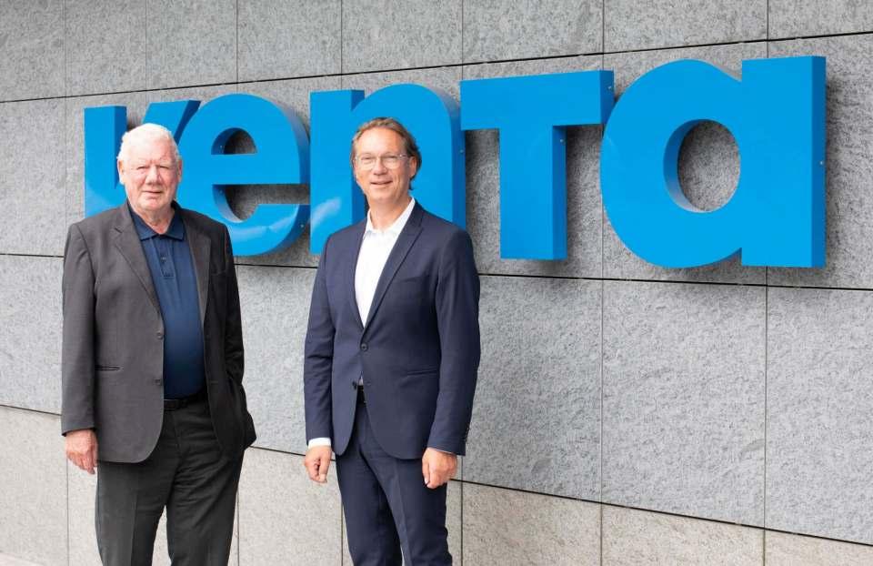 Aus der Garage in die Welt: Venta-Gründer Fred Hitzler, hier mit CEO Andreas Wahlich.