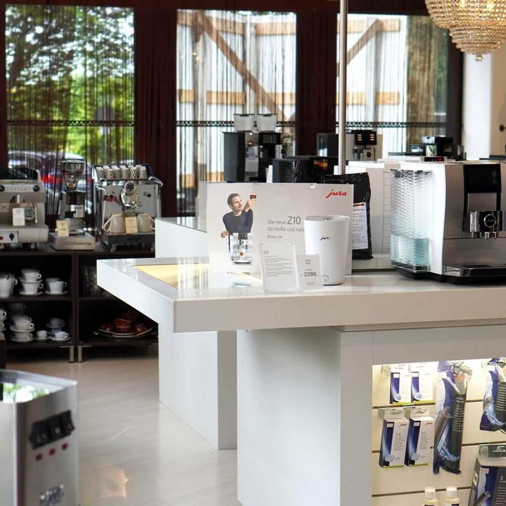 Ob Kaffee-Vollautomaten oder Siebträger: Angeboten werden hochwertige Kaffeemaschinen, erlesene Kaffeesorten und Pflegemittel.