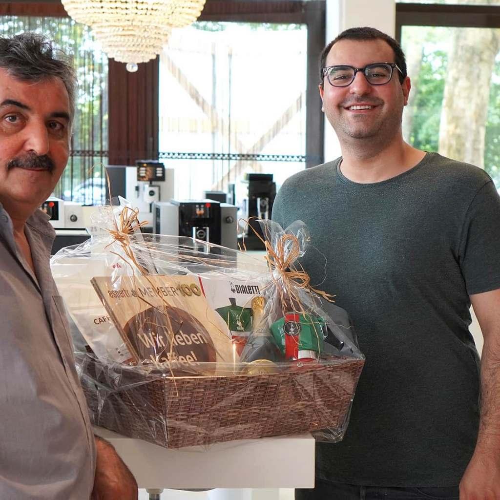 Führen eine Top-Adresse für Genuss-Verstärker rund um die braune Bohne: Masis und Sandro Gharehbaki.