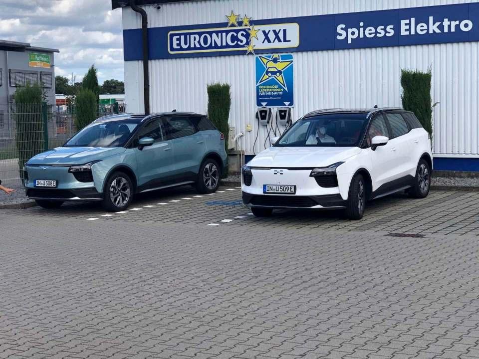 Bei Euronics zu haben: der E-SUV Aiways U5.