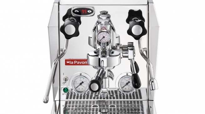 Semiprofessioneller Anspruch: die La Pavoni Siebträgerkaffeemaschine LPSGEV02EU.
