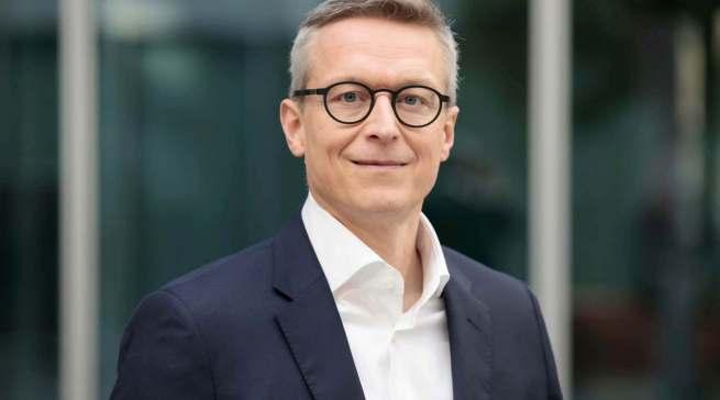 Dr. Karsten Wildberger übernimmt bis auf Weiteres den bisherigen Verantwortungsbereich von Florian Gietl.
