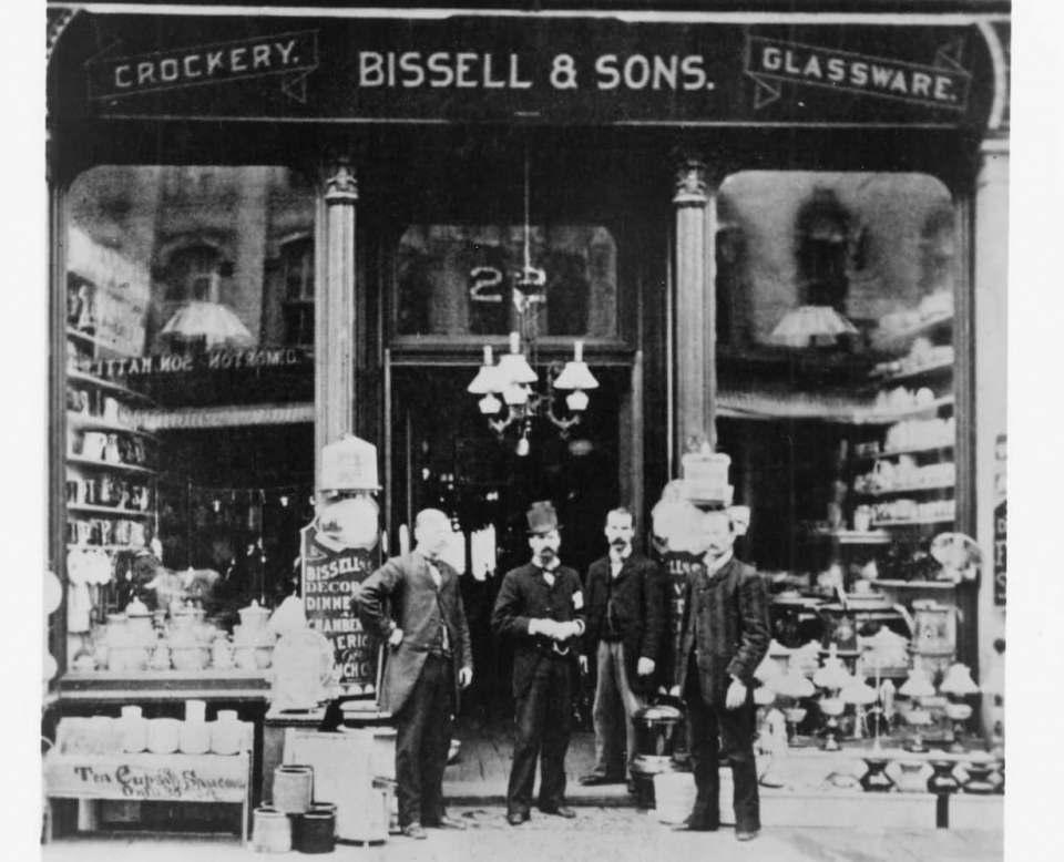 Vom Geschirrgeschäft zum internationalen Haushaltsreiniger: Bissell feiert 145-jähriges Jubiläum.