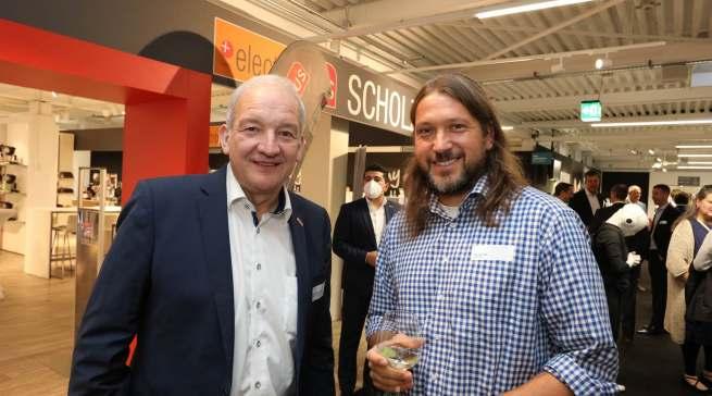 Branchenabend in Bielefeld: Horst-Werner Dick (l.) und Thomas Geib (Elektro Geib).