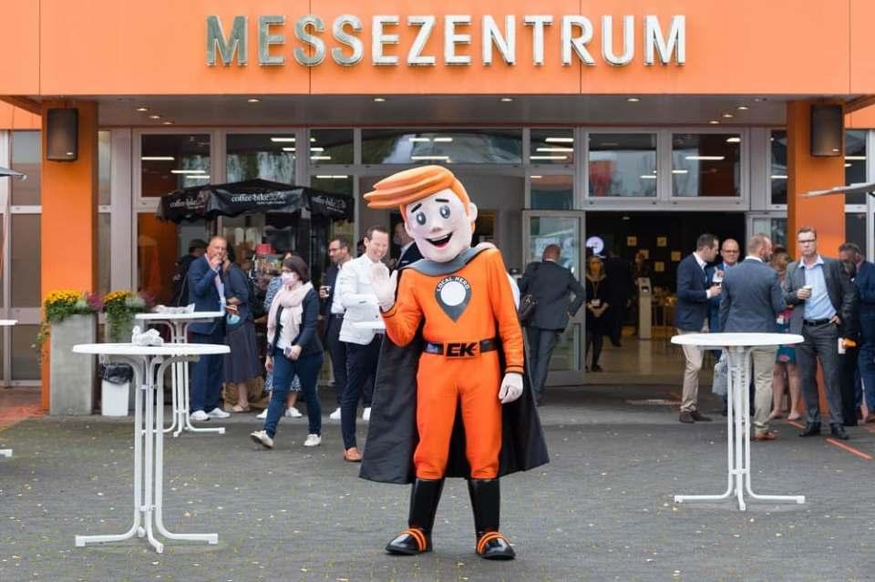 Endlich wieder Messe: Rund 2.200 Fachbesucher kamen zur EK LIVE nach Bielefeld. Fotos: EK/servicegroup/Machan