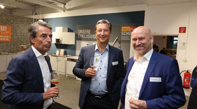 Top-Marken treffen Top-Händler aus Düsseldorf (v.l.): Roland Hagenbucher (Siemens), Harald Friedrich (Bosch) und Matthias Walgenbach.