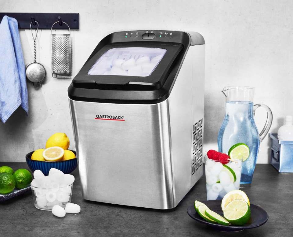 Gastroback Eiswürfelbereiter Bartender Pro erzeugt 15 kg Würfel pro Tag.
