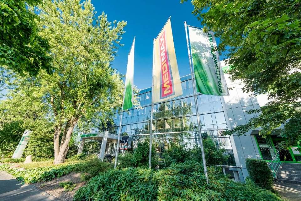 """""""Go Green"""": ElectronicPartner fühlt sich seiner Farbe Grün verpflichtet."""