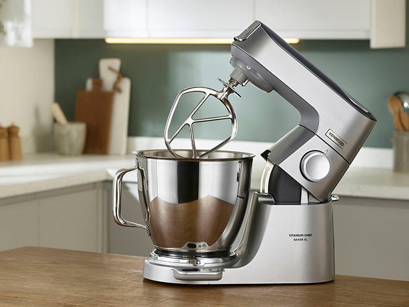 Kenwood Küchenmaschine Titanium Chef Baker in zwei Modellvarianten.