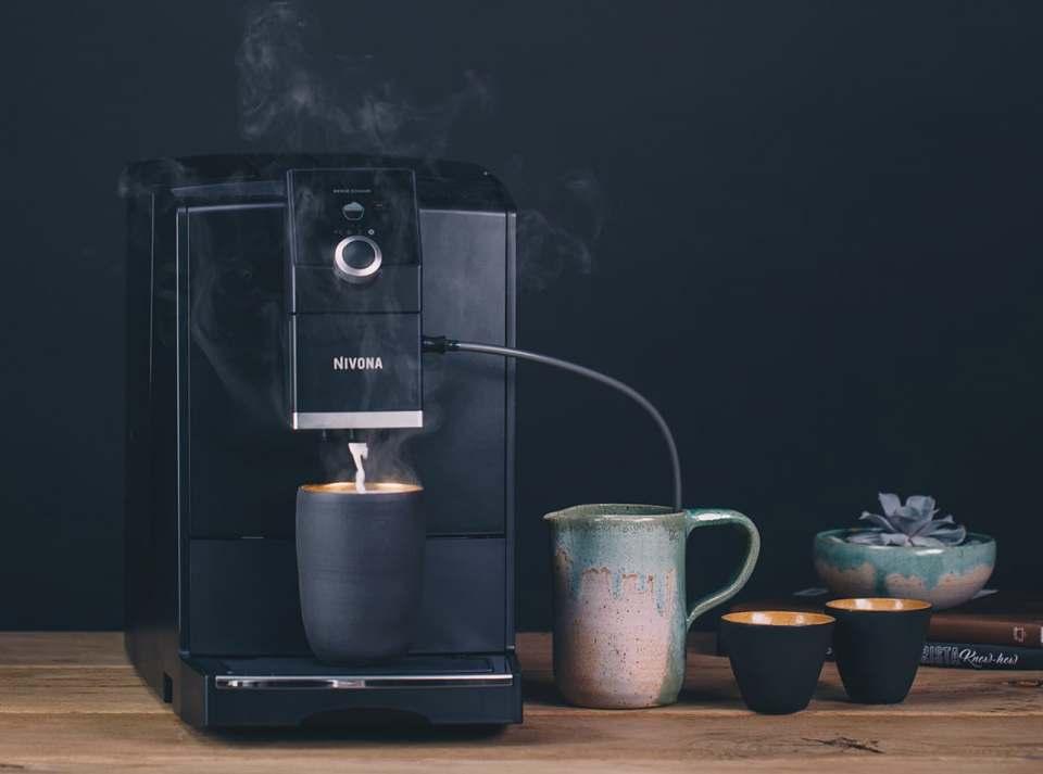 Nivona Espresso- /Kaffeevollautomat CafeRomatica NICR 790 mit Aroma Balance System.