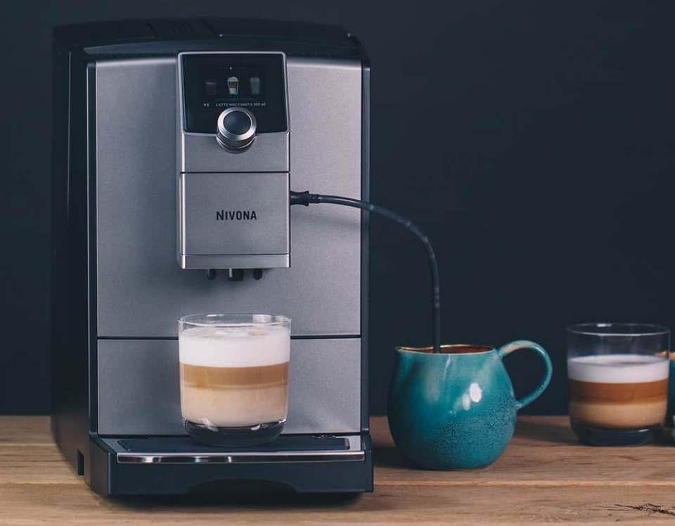 Nivona Espresso-/Kaffeevollautomat CafeRomatica NICR 795 mit OneTouch-Spumatore plus.