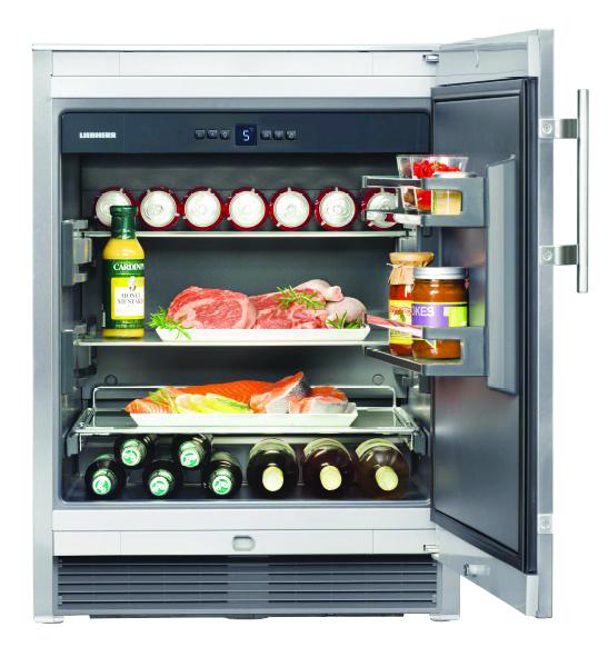 Um den Partyspaß unkompliziert nach draußen verlagern zu können, stellt Liebherr den neu in Deutschland eingeführten Outdoor Cooler auf der Küchenmeile vor.