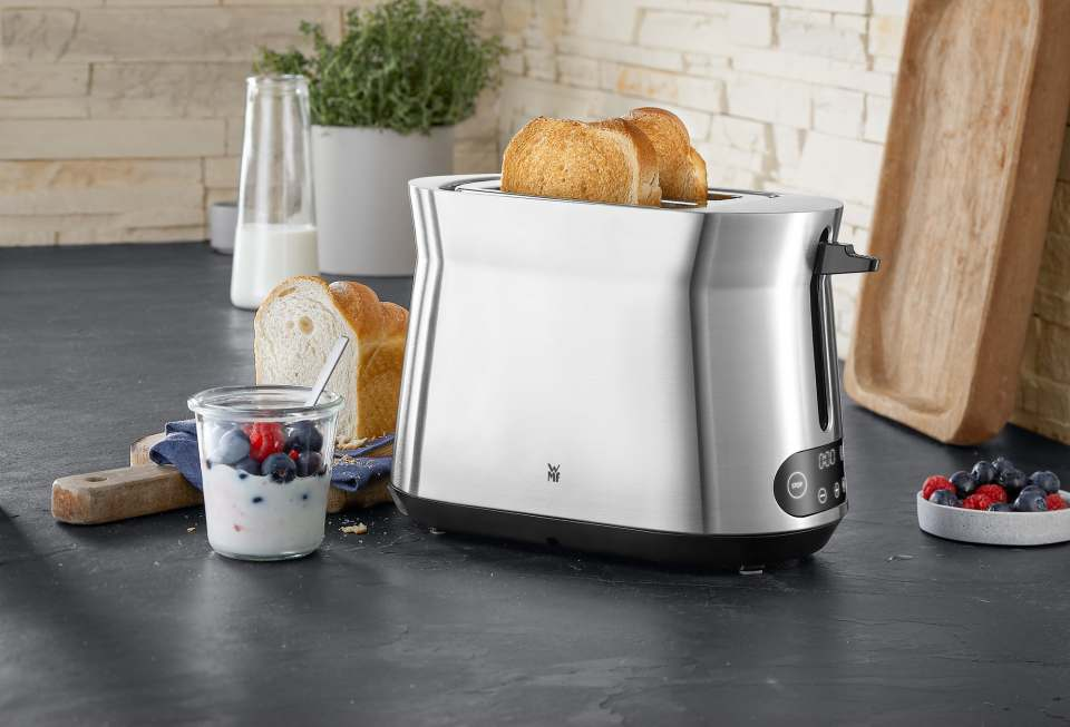 WMF Toaster Kineo mit LED-Touch-Display.