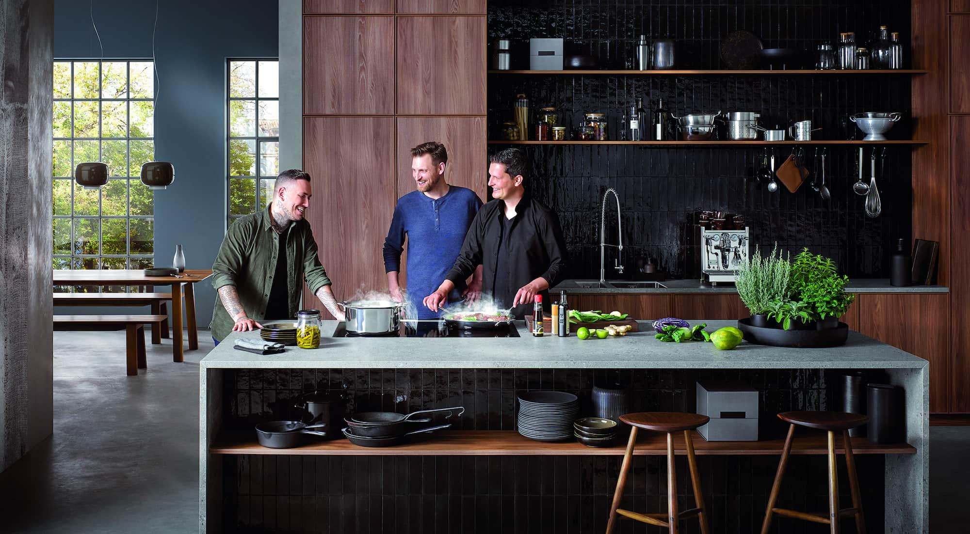 Outeten sich als Berbel-Fans: Hier kochen die Sterneköche Michael Dyllong, Pierre Beckerling und Sous-Chef Kevin Wolmerath.