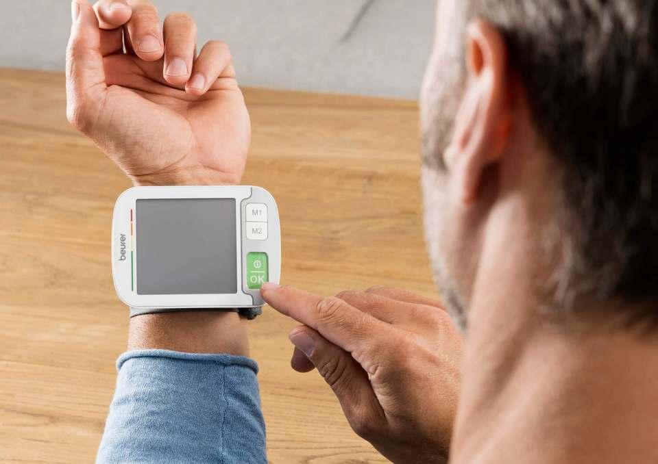 """Im Test ein """"sehr gut"""" für das Beurer Blutdruckmessgerät BC 51."""